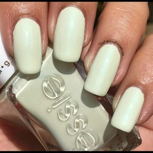 Essie Gel Couture Nail Set 'Zip me up' Mint Green